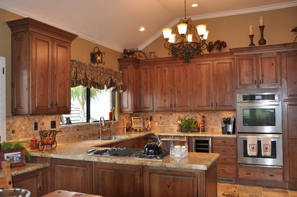 Traditional Kitchen Design With Wood Kitchen Cabinets